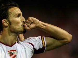 Antonio Puerta celebrando su gol ante el Schalke